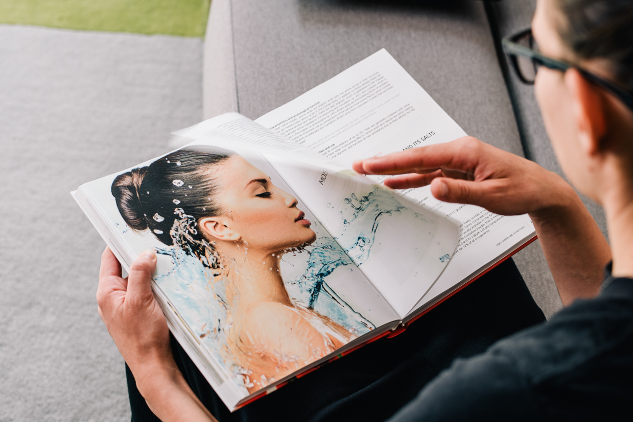 Modern Cosmetics – knjiga
