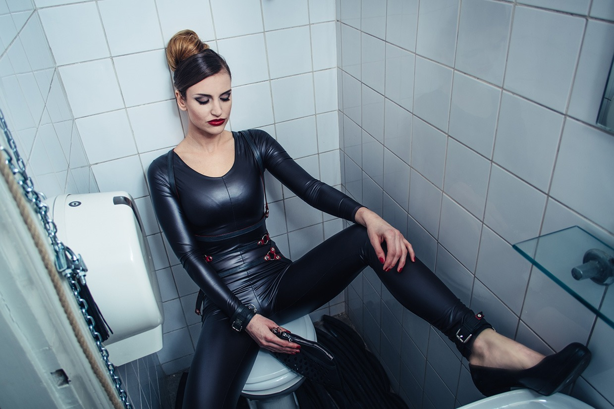 Leather – editorial